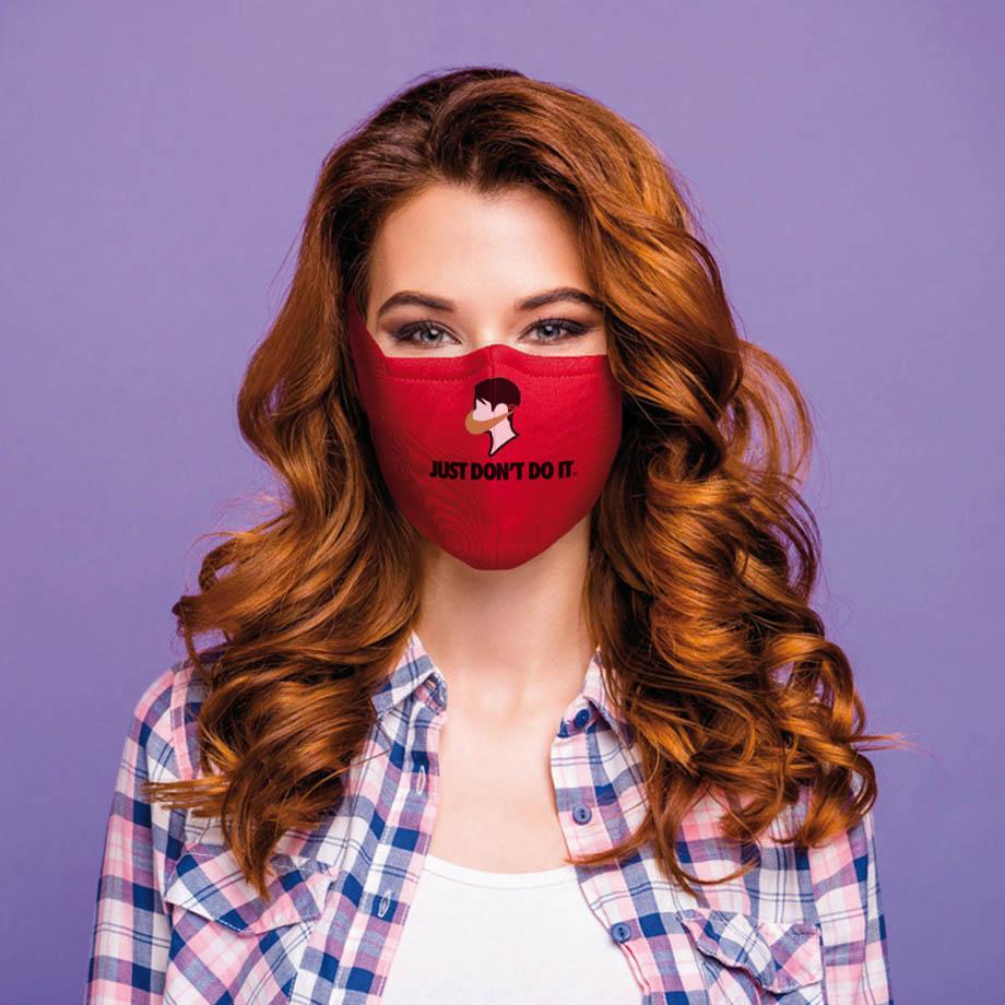 Egyedi maszkok logózva